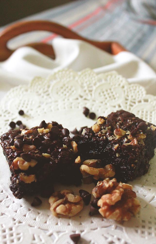 Earth Desserts' vegan fudgy brownie