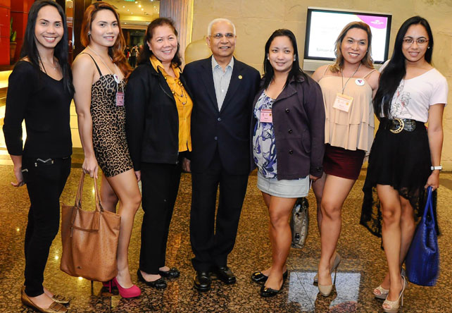 "JVR Prasada Rao, UN Secretary-General's Special Envoy for AIDS in Asia and the Pacific, with Teresita ""Bai"" Bagasao, UNAIDS Country Coordinator (third from left) and representatives from CSOs dealing with human rights and HIV and AIDS"