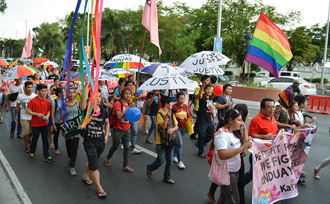 Pride2015-17
