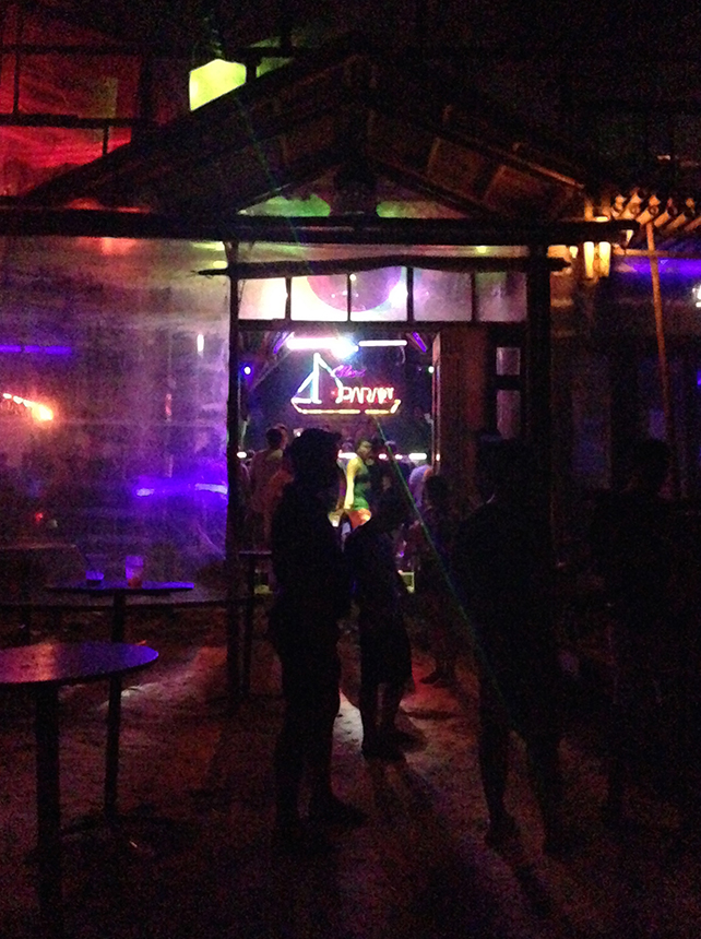 Paraw is like an 80s venue with a young-ish crowd...