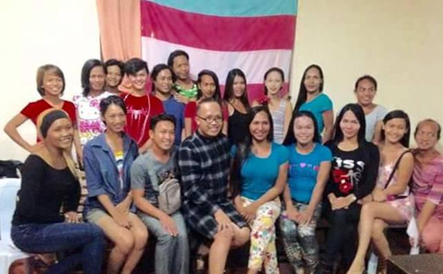 MUJER-LGBT Organization3