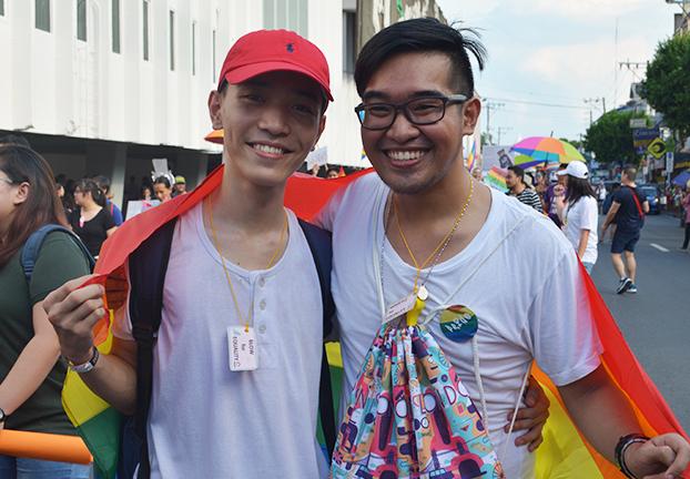 Gay love5